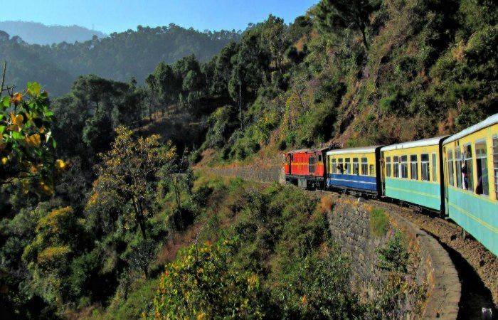 toy train in himachal