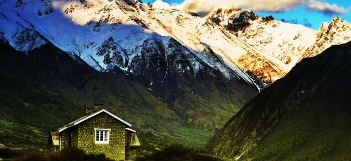 A stone house in Fagu, Himachal Pradesh