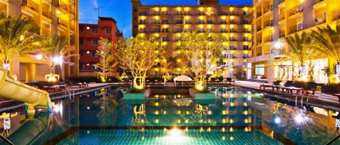 Stay in Grand bella hotel in Pattaya