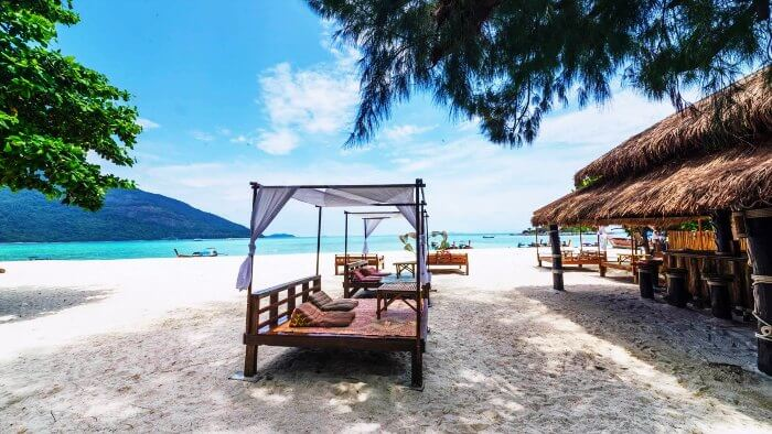 A honeymoon in Koh Lipe in Thailand