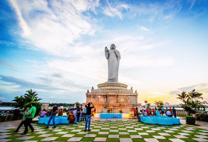 Monolith-Statue-Buddha-Lumbini-Park