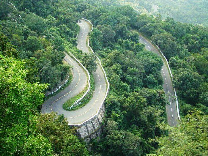 Ride your road on the winding roads of the Mysore-Bangalore highway