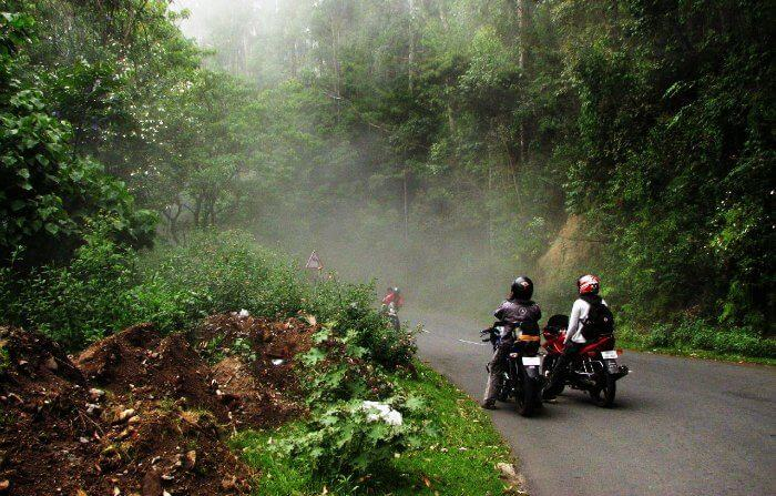 Ride your bikes/car from Bangalore to Coonoor for such scenic views