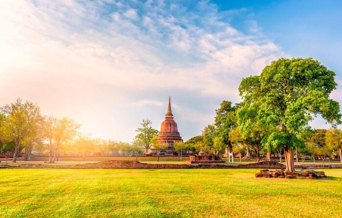 honeymoon in Sukhothai old city