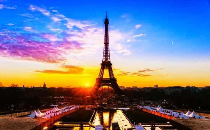 World's most romantic honeymoon destination - the Eiffel tower in Paris