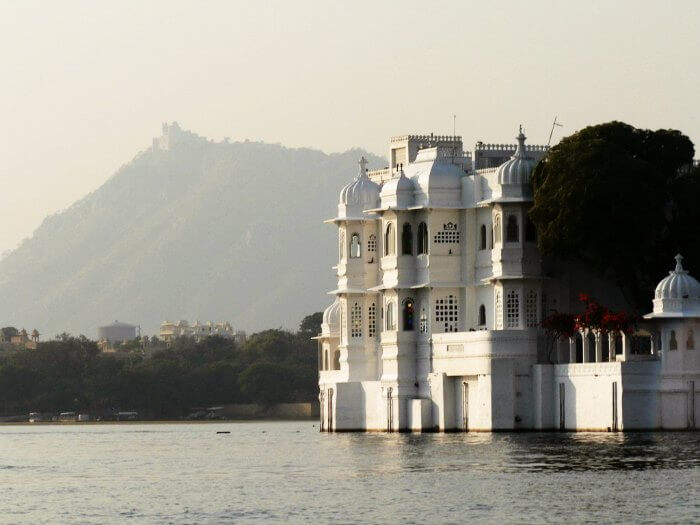 The royal yet serene Udaipur during winters is one of the best places to visit in monsoon in India