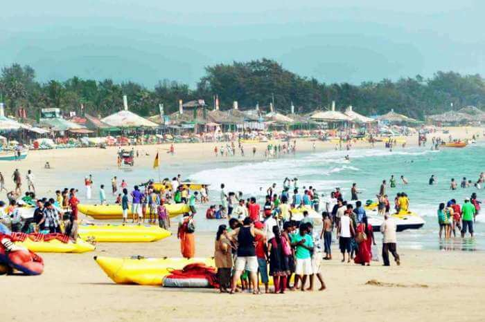 Indulge in a banana boat ride on one of the best places to visit in Goa - Baga Beach