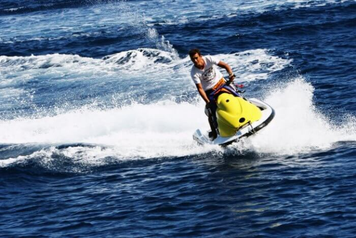 Feel the Thrill with Water Adventure Sports in Goa