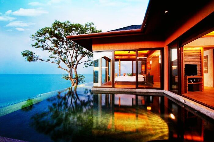 The cozy Sea facing room with an infinity pool in Sri Panwa Phuket