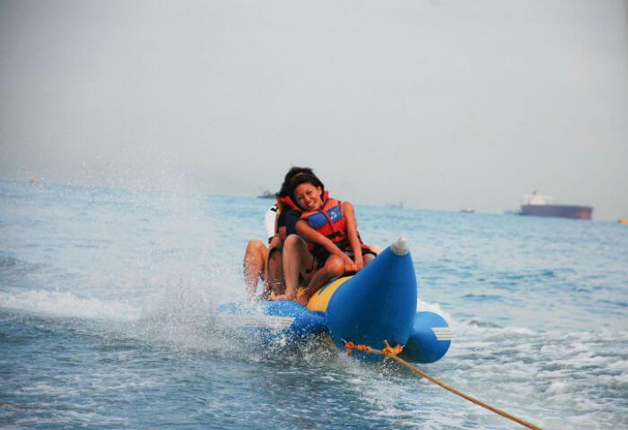 People enjoying Banana Boat ride