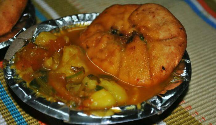 The mouth-watering Kachori with Sabzi