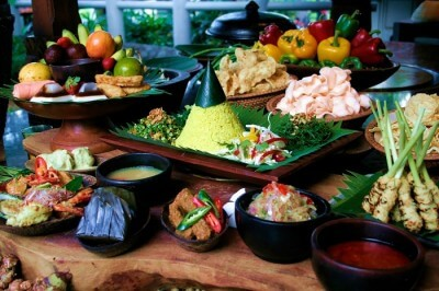 A myriad of traditional Balinese food that must be tried