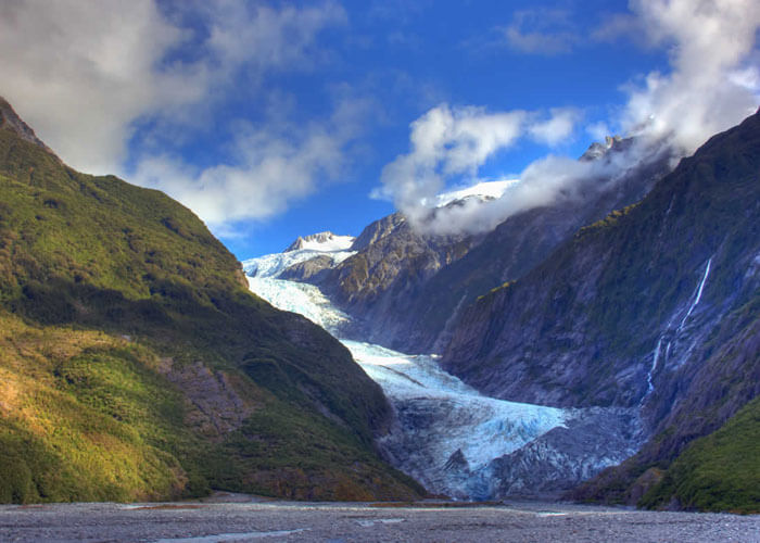 The stunning landscape of Franz Josef and Fox Glacier – the best place to visit in New Zealand