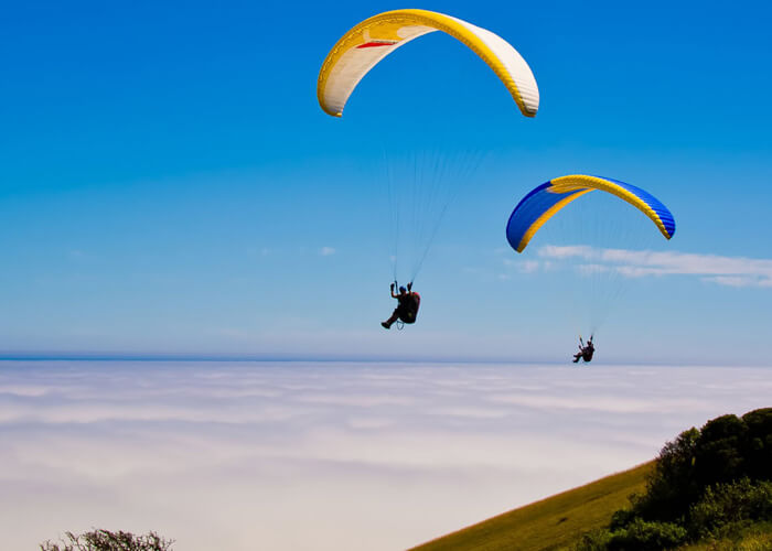 From Kondeshwar Cliff paragliding can be done from a height of 2200 feet