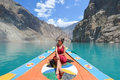Sophee- The Travel Blogger