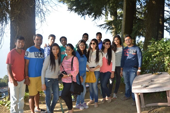 Shivani and her friends posing in Mcleodganj