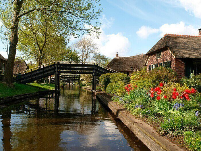 The gorgeous water canal of Giethoorn in Netherlands