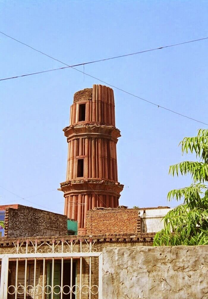 Hastshaal Minar is popularly called as Chhota Qutub Minar