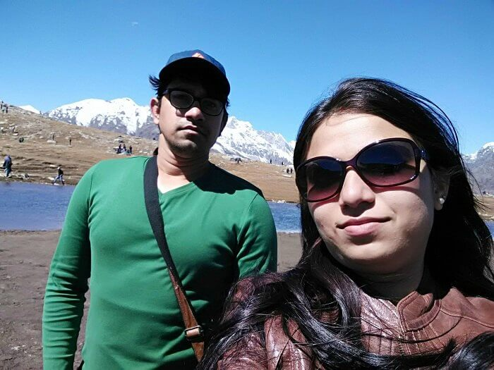 Rajeev and his wife taking a selfie in Rohtang Pass