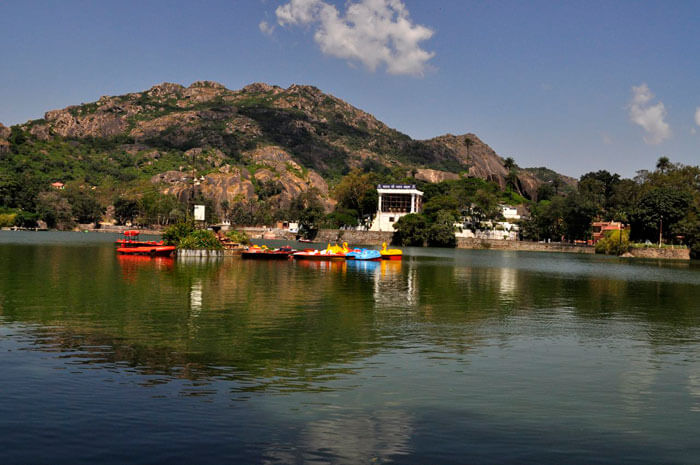 Stunning Nakki Lake in Mount Abu