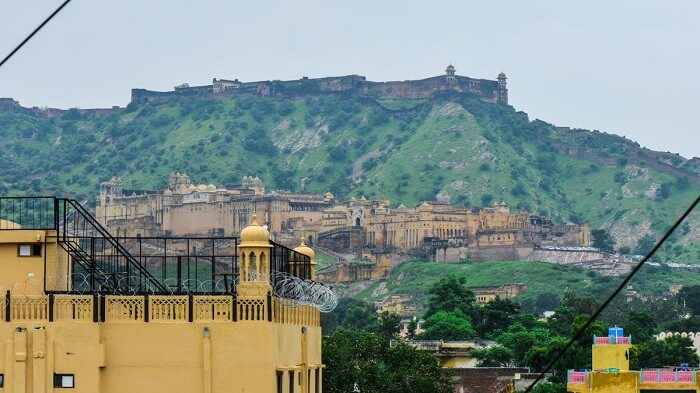 Hotel Amer View is considered to be budget resort in Jaipur with spectacular views