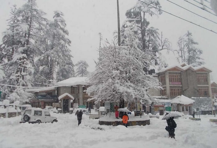 Snowfall in Manali is enjoyed a lot by tourists