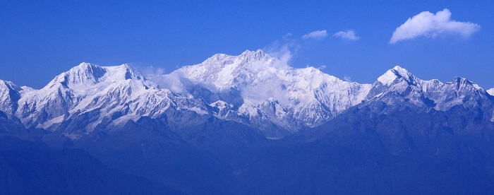 Tiger hills is the best name among the tourist places in Darjeeling