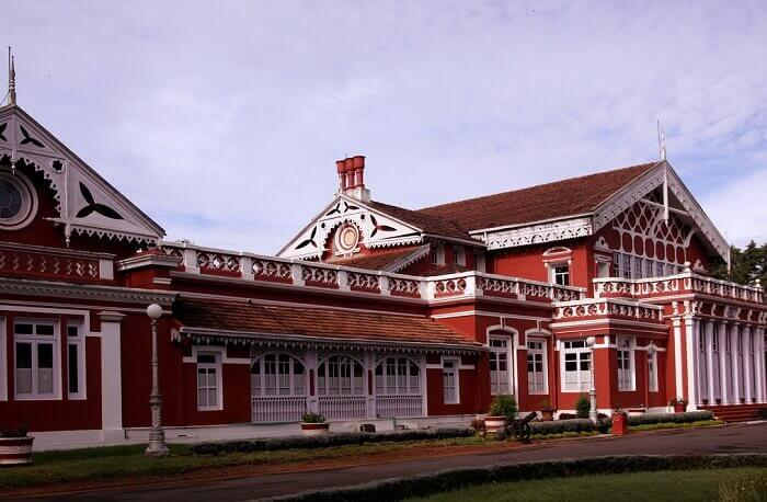 A view of the drive-in and entrance of the Hotel Fern Hill in Ooty