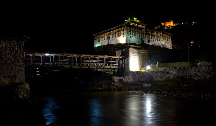 A night view of one of the most popular tourist places in Bhutan - Rnpung Dzong