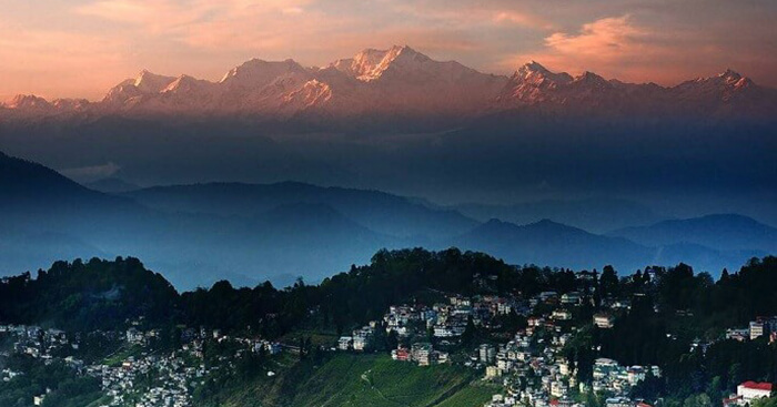 17 Things To Do In Darjeeling On A Trip To This Tea