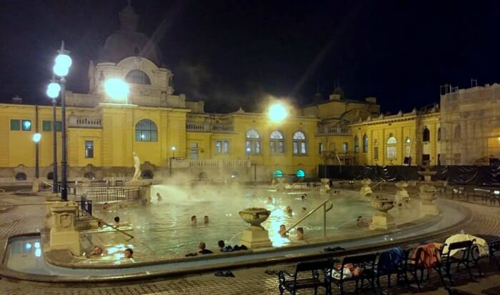 Relaxing in the local thermal bath of Budapest