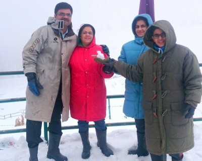 Family chilling in Gulmarg