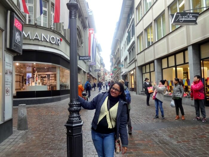 Happy shopaholics at the famous streets of Lucerne