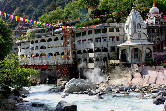 Experience hot water springs at Manikaran Sahib on the way back to Delhi