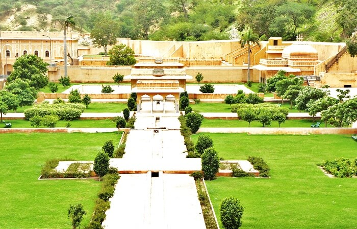 The garden of Rani Sisodia in Jaipur