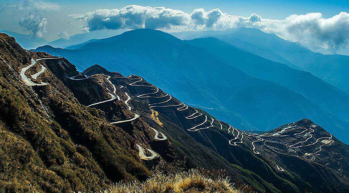 A breathtaking view of the Old Silk Route, ideal for road trips in India