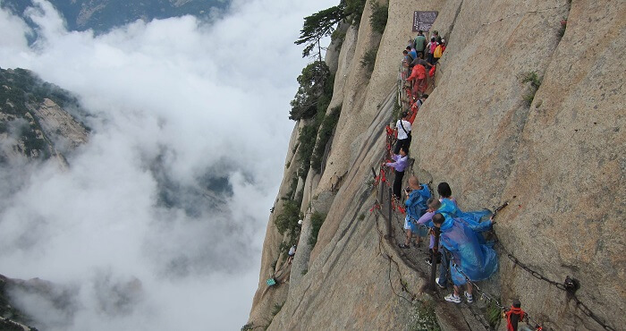 The dangerous yet beautiful trail of Mount Huashan