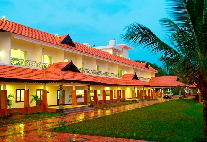 A view of the entrance to the Green Fields Kumarakom