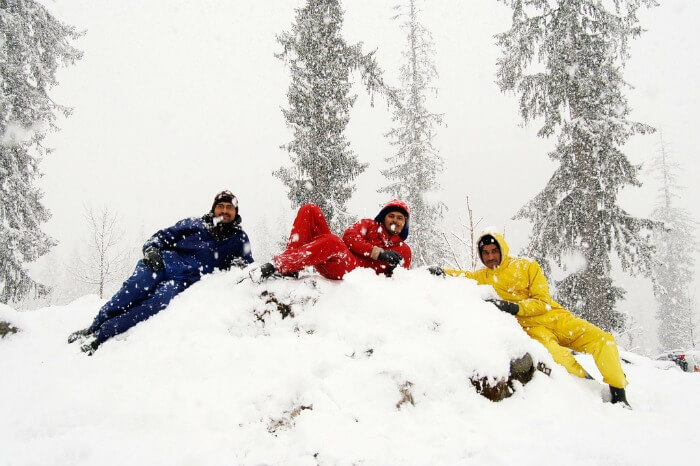 Friends on a holiday in Manali in Himachal Pradesh