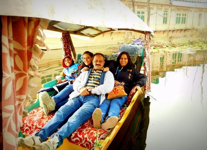 Sharad and his family do the Shikara ride in Srinagar