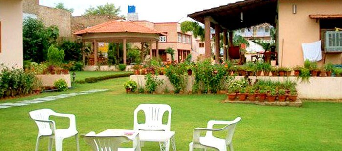The garden at Honeydew's Retreat - a luxurious homestay among resorts in Pushkar