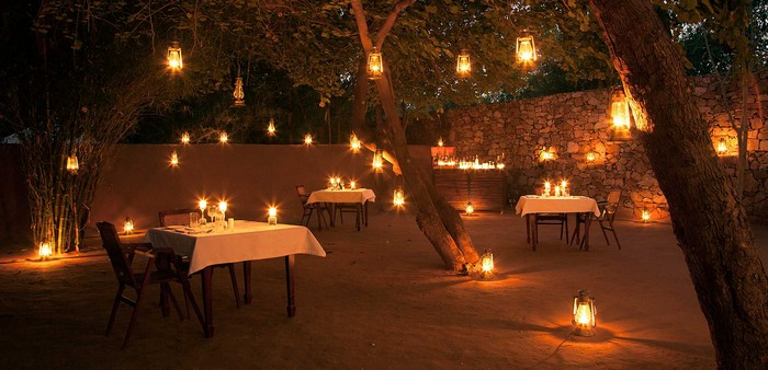 The open sky dining at Sher Bagh is one of the best experiences at any hotel in Ranthambore