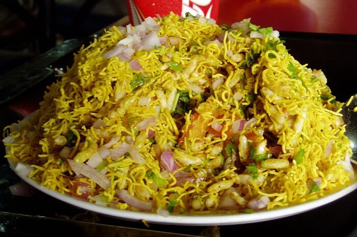 Bhelpuri is another popular street food in Banglore that has been borrowed from elsewhere