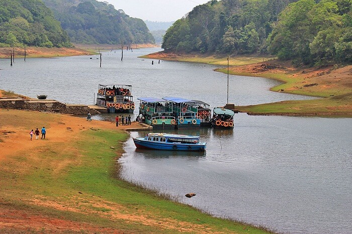 Tourists boarding ferries at the Periyar Lake