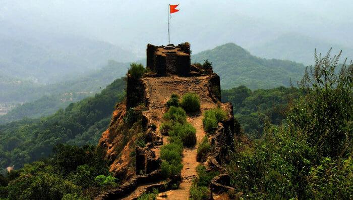 A beautiful view of the Pratapgarh Fort near Mahabaleshwar