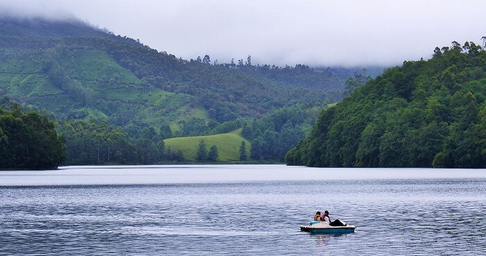 People come to Kundala lake for boating and Shikara rides in Munnar