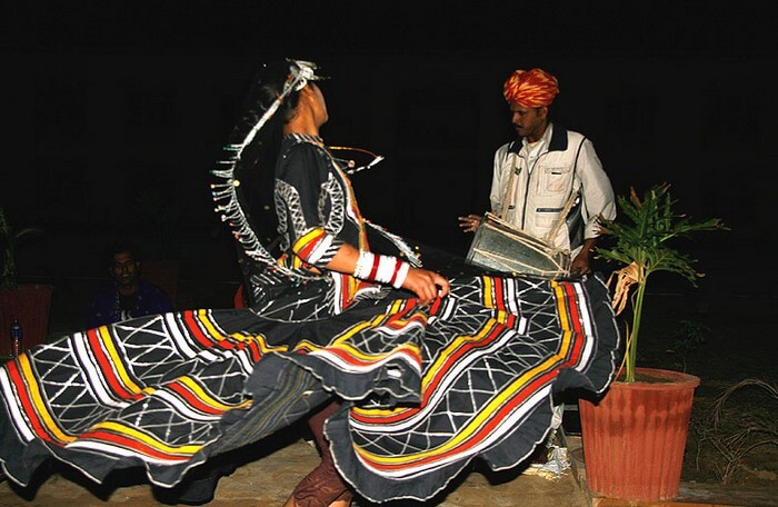 A cultural folk performance at the Thar Vilas
