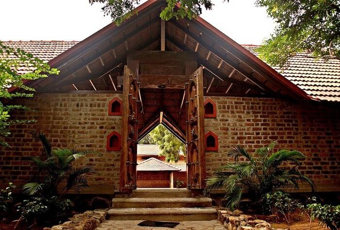 The entry gate to Dakshinachitra seems like a romantic wonderland