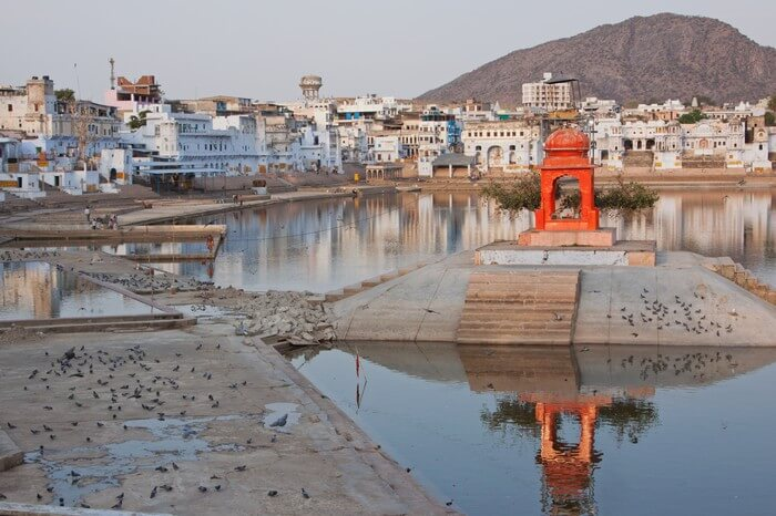 A temple at one of the ghats of Pushkar Lake