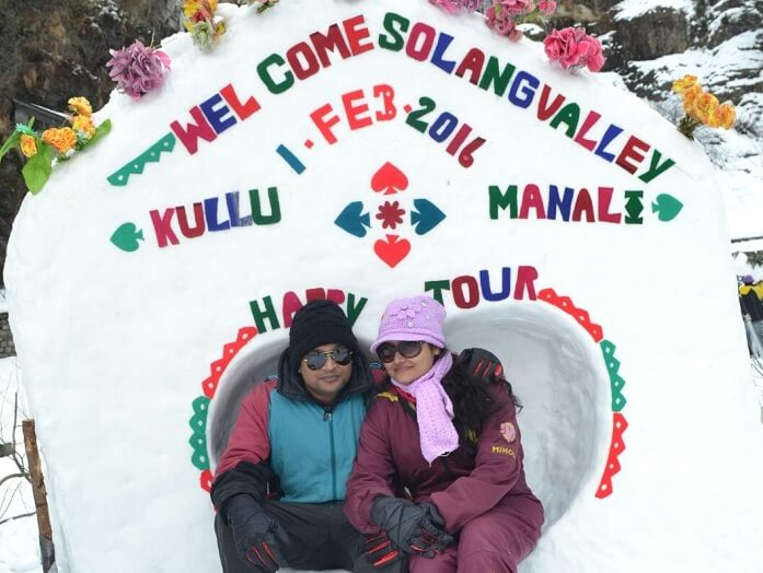 Madhumita and her husband enjoy the snow in Solang Valley